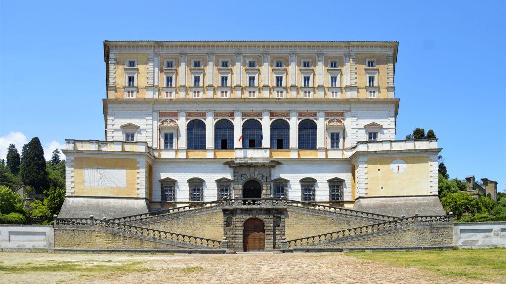 Palazzo-Farnese-Caprarola-1