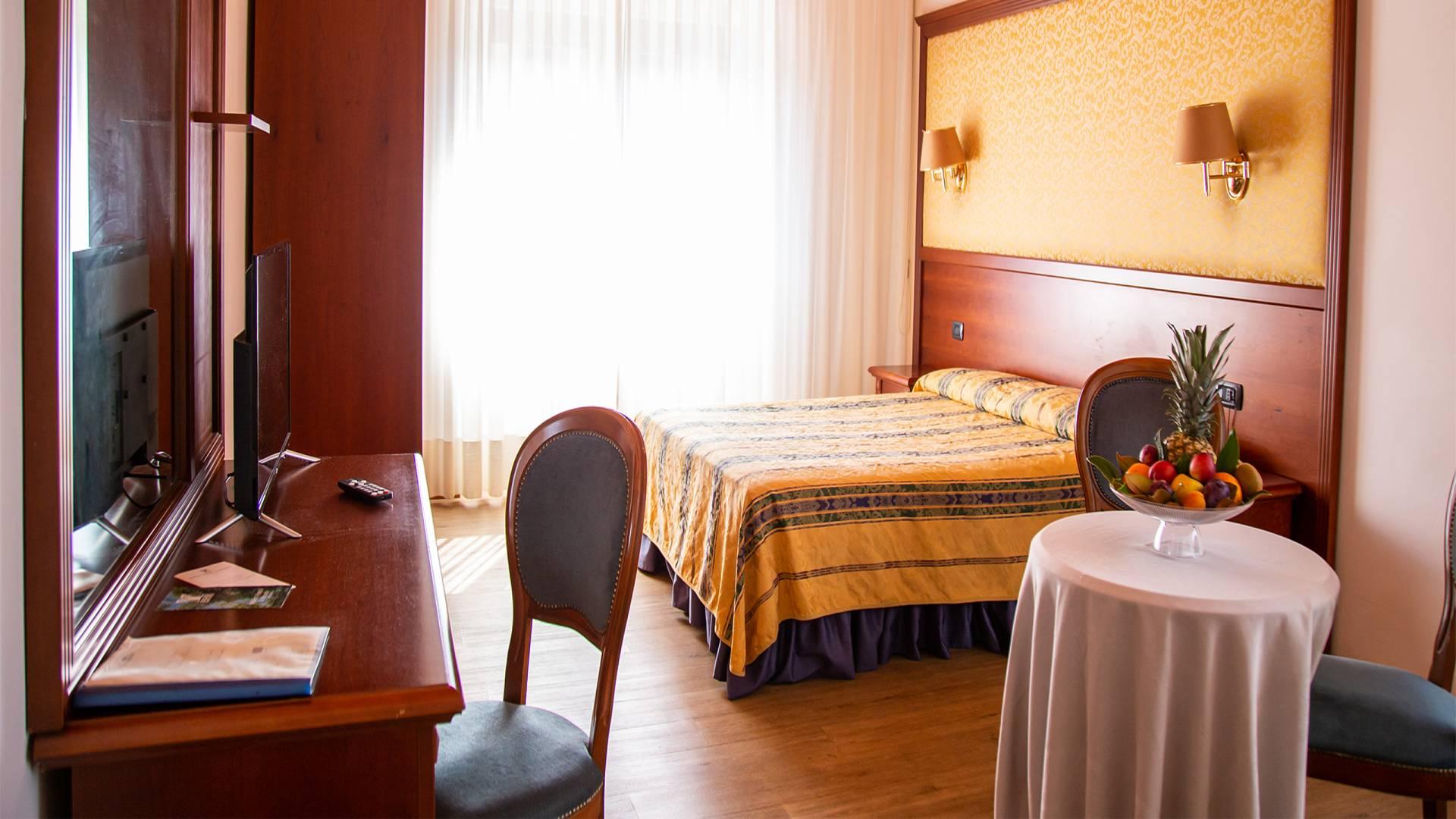 Balletti-Park-Hotel-San-Martino-al-Cimino-Viterbo-camere-2020-classic-matrimoniale4